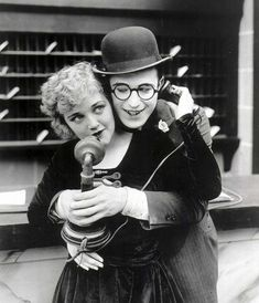 Silent film stars & real life couple Harold Lloyd & Mildred Davis :-)