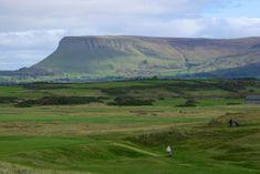 Les montagnes de Ben Bulben, en Irlande...   #ireland #irlande #benbulben #mountains #sligo