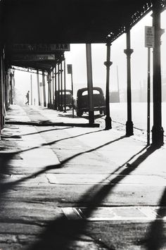 Queensberry Street at Errol Street, North Melbourne 1963 by Mark Strizic Dreams and Imagination: Light in the Modern City Photo B, Jolie Photo, Vintage Photographs, Vintage Photos, Street Photography, Art Photography, Cidades Do Interior, Modern City, Black And White Pictures
