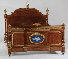Superb 19th c. French inlaid, bronze mtd bed : Lot 1061