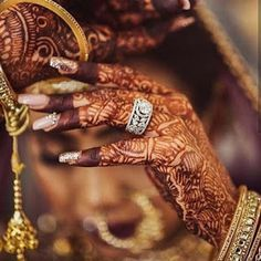 Bridal Nails Designs, Bridal Nail Art, Gold Ring Designs, Bridal Mehndi Designs, Bridal Makeup, Bridal Jewelry, Bridal Accessories, Wedding Makeup, Gold Jewelry
