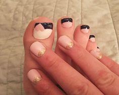 Perfect bridesmaid nails!