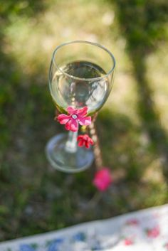 {DIY} Outdoor Wine Glass Holders | Catch My Party