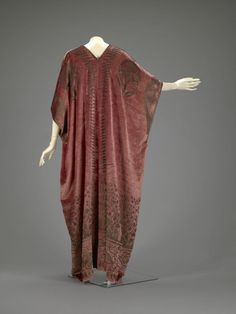 Fortuny dress, 1920s.  silk velvet, stencilled with gold and silver metallic dyes