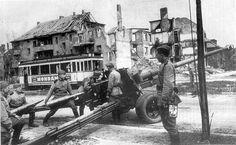 Soviet 100-mm BS-3 gun, Berlin, 1945