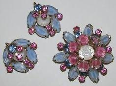 Vintage D&E JULIANA Pastel Pink & Blue Givre Rhinestone Brooch & Earring SET