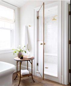Home Interior Catalogo Minimalist bathroom inspiration.Home Interior Catalogo Minimalist bathroom inspiration Bad Inspiration, Bathroom Inspiration, Interior Inspiration, Interior Ideas, Bathroom Interior, Modern Bathroom, White Bathroom, Master Bathroom, Bathroom Table