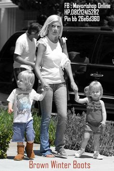 Tori Spelling and Kids - Wearing Kids Winter Boots [Available at Mayorishop Online, SMS 081212415282 Pin BB 26e6d360]