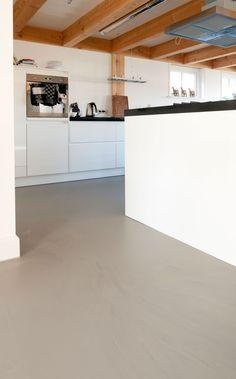 #classicinterieur #dutchinterior #interiorinspiration #homeinspiration #livingroominspiration #residentialflooring #bolidt #polishedflooring #gietvloer #dutchhome #project #homestyle