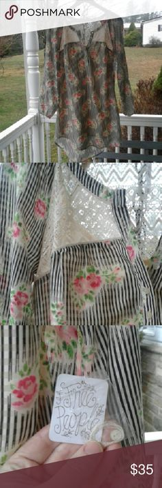 Free people dress Super cute floral print dress with lace detail Free People Dresses