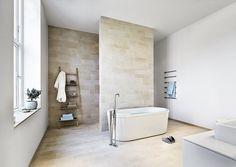 Nordisk Hammam - Lilly is Love Bad Inspiration, Bathroom Inspiration, Bathroom Ideas, Modern Shower, Modern Bathroom, Deep Bathtub, Interior Design Advice, Duravit, Shower Tub