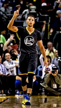 SC30 ♡♡ Stephen Curry Family, The Curry Family, Nba Stephen Curry, Golden State Basketball, Basketball Is Life, Basketball Players, Kentucky Basketball, Duke Basketball, Kentucky Wildcats