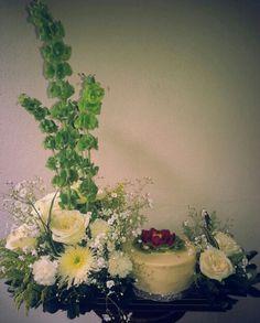 Pastel 3 leches y flores blancas!