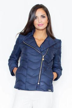Ένας χώρος με ιδιαίτερα γυναικεία ρούχα και αξεσουάρ , με υψηλή ποιότητα και προσιτές τιμές. Έχουμε τα πιο στιλάτα είδη μόδας, μην ψάχνετε πουθενά αλλού, το Blush Greece είναι το δικό σας προσωπικό κατάστημα. Trench Noir, Bleu Marine, Winter Jackets, Ruffle Blouse, Zip, Navy, Collection, Women, Style