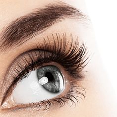 Check out my pro tips on wearing false eyelashes that anyone can pull off: