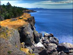 Aggregate Cliffs of Hornby Island Vancouver City, Mount Washington, Western Canada, San Juan Islands, Beautiful Places, Amazing Places, Staycation, Science And Nature, Oh The Places You'll Go