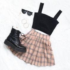 Korean fashion styles 632966922615540601 - Source by annabelllounsburyet Girls Fashion Clothes, Teen Fashion Outfits, Cute Fashion, Look Fashion, Korean Fashion, Fashion Styles, 70s Fashion, Ulzzang Fashion, Fashion Today