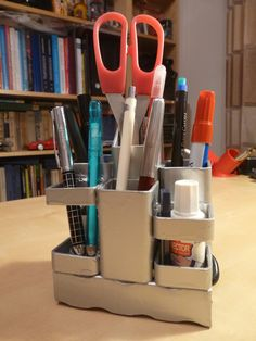 Suport de birou pentru pixuri din teava rectangulara sudata
