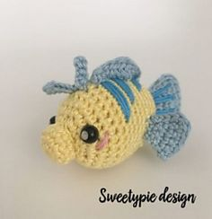 mini flounder by Anouck specker make your own mini flounder that goes perfectly with the ariel doll pattern ! its a mini pattern and easy to make, so if you want a one hour project ….go for flounder