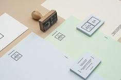 Designaddicted ist ein Hamburger Design Studio mit Fokus auf die Bereiche Branding, Kreativ Direktion und Grafik Design. Mit unserem überarbeitetem Corporate Design, wollen wir unsere Leidenschaft zu Papier, Handgemachten und dem Typographie basiertem Design darstellen. Kreativ Direktion, Design & Fotografie Maurice Schilling