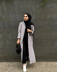 Long Open Cardigans With Hijab Fashion - Long Open Cardigan With Hijab Fashion - Modern Hijab Fashion, Street Hijab Fashion, Modest Fashion, Trendy Fashion, Trendy Style, Modest Outfits Muslim, Modest Clothing, Modest Dresses, Fashion 2018