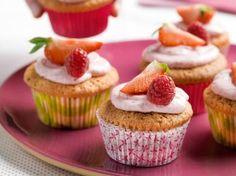 Aardbeicupcakes met frambozencrème (Libelle Lekker!)