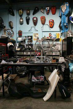 Good life good taste motard shop decoraci n de casa for Garajes de ensueno