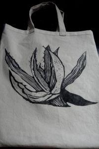 Linorez otisnut na platnenu torbu by Gracin