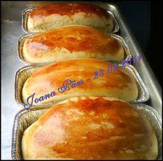 Joana Pães: Pão caseiro de mandioca e tapioca Brioche Bread, Pizza And More, Good Food, Yummy Food, Bread Cake, Artisan Bread, Food Truck, Hot Dog Buns, I Foods