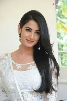 Beauty Queen Sonal Chauhan <3