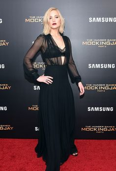 """Jennifer Lawrence Photos Photos - Jennifer Lawrence attends """"The Hunger Games: Mockingjay- Part 2"""" New York Premiere at AMC Loews Lincoln Square 13 theater on November 18, 2015 in New York City. - 'The Hunger Games: Mockingjay- Part 2' New York Premiere"""