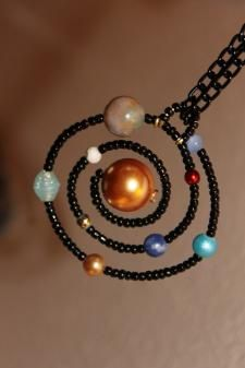 Solar System Necklace - made with wire, beads and chain - by LeBeadeau on Etsy Wire Jewelry, Jewelry Crafts, Beaded Jewelry, Jewelery, Jewelry Necklaces, Handmade Jewelry, Bijoux Fil Aluminium, Jewelry Accessories, Jewelry Design