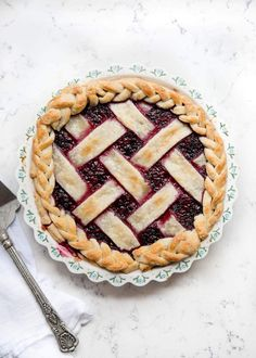 of the BEST holiday desserts! These sweet treats are the best Christmas desserts out there. Add some baking time into your festivities and enjoy these delicious recipes! Fall Dessert Recipes, Holiday Desserts, Holiday Recipes, Holiday Treats, Razzleberry Pie Recipe, Reese Peanut Butter Pie, Types Of Pie, Best Pie, Pumpkin Pie Recipes