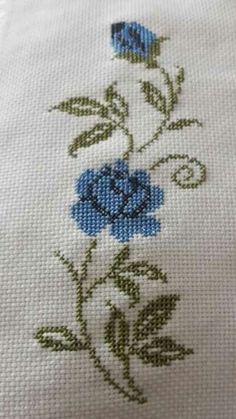 Cross Stitch Art, Cross Stitching, Cross Stitch Patterns, Bargello, Hand Embroidery, Diy And Crafts, Smocking, Cross Stitch Rose, Cross Stitch Alphabet