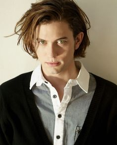 Jackson Rathbone as Jasper Whitlock the only good thing to come out of The Twilight Saga. Twilight Movie, Twilight Saga, Jasper Twilight, Alice And Jasper, Jackson Rathbone, Hot Vampires, Rap, Raining Men, Good Looking Men