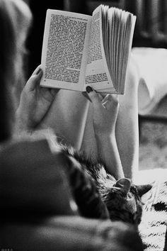 Lire dans un lit tout chaud: quel bonheur!  http://www.climsom.com/fra/sur-matelas-rafraichissant-chauffant-jambes-lourdes.php?codeoffer=CS&SCT=WMA&UNV=ESS