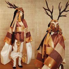 원오프 [사슴]신 의상 #도깨비주단 #인형한복 #한복 #hanbok #bjd #구체관절인형 #costumedeign #exhibition #balljointeddoll #hanbok #burgundy #gold #deep #dollhanbok #bjd #dollstagram #costumedeign #인형한복 #한복 #구체관절인형 #craft #dressmaking #silk