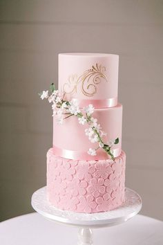 Slices of Heaven: Flavorful Wedding Cakes from Austin's Top Bakers - Kuchen/Torten - Hochzeitstorte Wedding Cake Flavors, Wedding Cupcakes, Pink Wedding Cakes, Pretty Cakes, Beautiful Cakes, Glace Cake, Bolo Floral, Baker Cake, Gateaux Cake