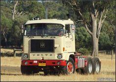 Truck - cute picture Show Trucks, Big Rig Trucks, Old Lorries, Road Train, Cab Over, Truck Art, Volvo Trucks, Trucks And Girls, Truck Camper