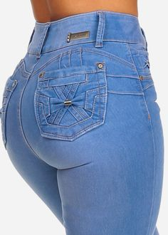 These butt lifting jeans are the perfect balance between comfort and style Shorts Jeans, Denim Jeans, Pants, Sexy Jeans, Skinny Jeans, Casual Outfits, Cute Outfits, Casual Clothes, High Waist Jeans
