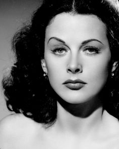Hedy Lamarr, a brilliant and beautiful woman. Hollywood Icons, Old Hollywood Glamour, Golden Age Of Hollywood, Vintage Glamour, Vintage Hollywood, Hollywood Stars, Vintage Beauty, Hollywood Actresses, Classic Hollywood