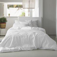 Nueva funda nórdica blanca y bordada con recorte tipo ojetero de 100% algodón de 250 hilos de Kas Australia - Villalba Interiorismo