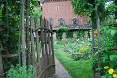 Furighedda gardening: medieval garden