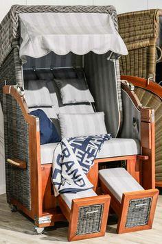 Es gibt verschiedene Variante von Strandkorb Sylt - Web-Klappliegestuhl, faltender Strandstuhl oder Rucksack.