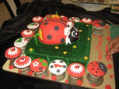 Cake and cupcakes at a Ladybug Party #ladybug #partycake