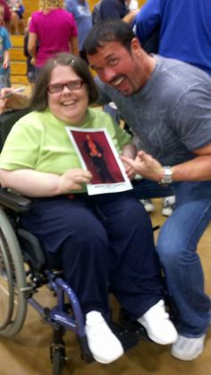 Buff The Stuff and myself. he wanted me to hold up his pic up he just signed for me *shakes head*