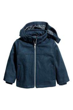 Jas van wolmix: Een jas van aan zachte wolmix met een afneembare, gevoerde kap…