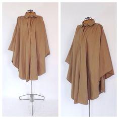 Vintage Capelet 1960s 70s Cream Tan Wool Cape Coat Mod Jacket Maxi Coat Cloak Classic Poncho Formal Mad Men Medium Large Preppy Fall Winter