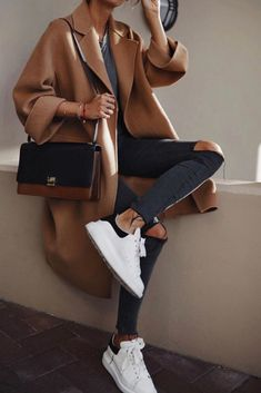Moda Instagram, Trend Fashion, Autumn Fashion, Style Fashion, Fashion Ideas, Womens Fashion, 80s Fashion, Fashion Outlet, Fashion Purses
