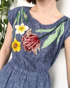 Hand Embroidery Art, Embroidery On Clothes, Embroidered Clothes, Embroidery Fashion, Embroidery Dress, Embroidery Patterns, Fabric Paint Shirt, Paint Shirts, Sewing Art